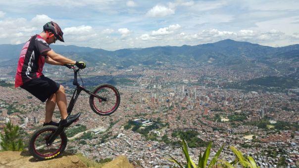 Javier Zapata se reta con el JCM y el cerro Pan de Azúcar