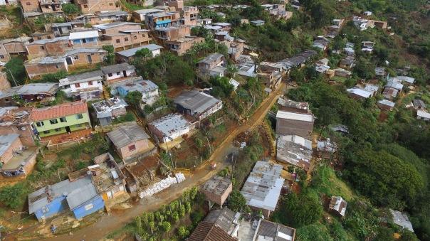 Redes de acueducto y alcantarillado María Cano Carambolas